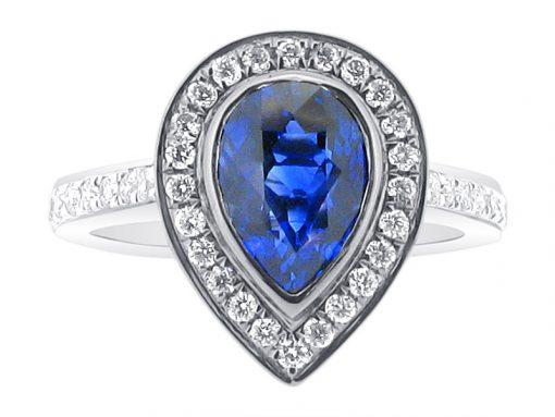 蓝色蓝宝石梨光环订婚戒指 -  er 1543