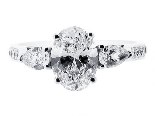 ER-1211-oval-solitaire-pear-sides-pave
