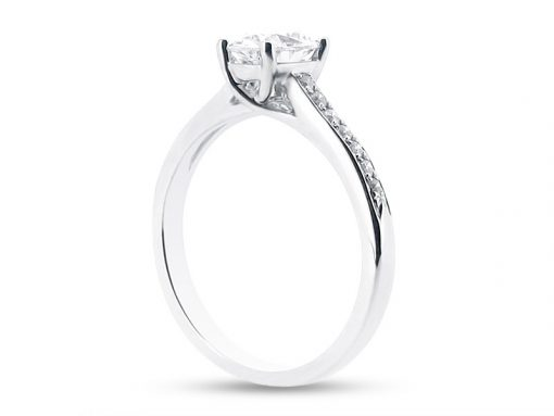 ER-1408-Side-oval-solitaire-crossover-pave-shoulders