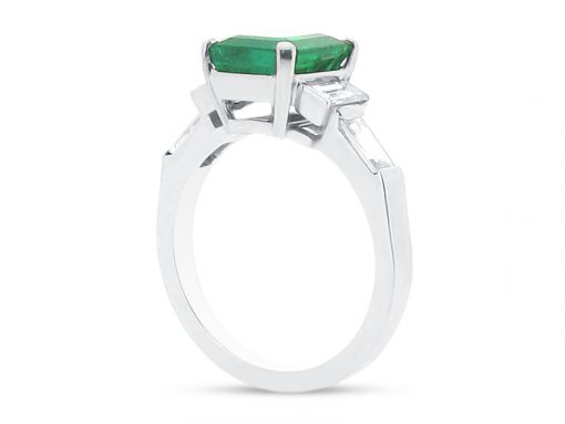 ER 2105 side-emerald solitaire baguettes