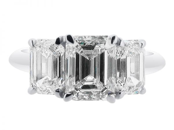 ER 1521 emerald 3 stone