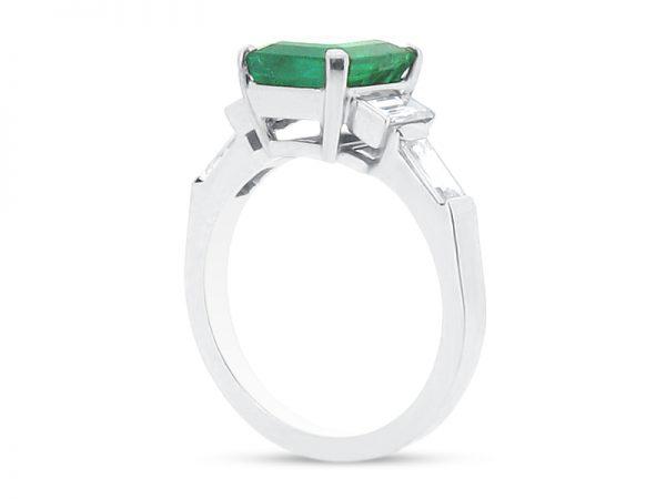 ER 2105 side emerald solitaire baguettes