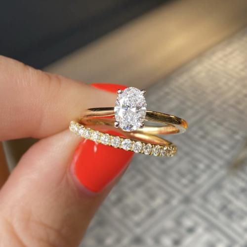 Minimalist engagement ring pic